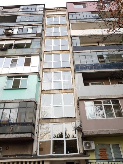 Подмяна на дограма на стълбища на жилищни блокове